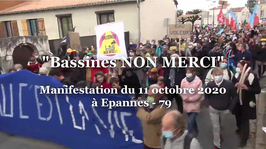 'BASSINES NON MERCI' ITW de Yannick Jadot Eurodéputé  EELV durant la manifestation du 11 octobre 2020 à Epannes - 79 @EELV
